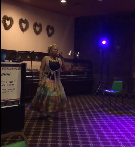 Goldie the Songstress Entertainer